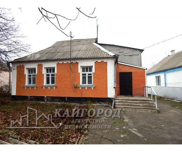 Продається будинок в с. Шкарівка з виходами на вулиці Гагаріна і Вишнева