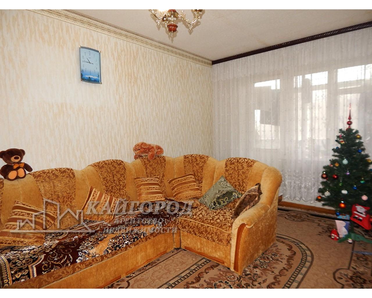 """Двухкомнатная квартира напротив дендропарка """"Александрия"""""""