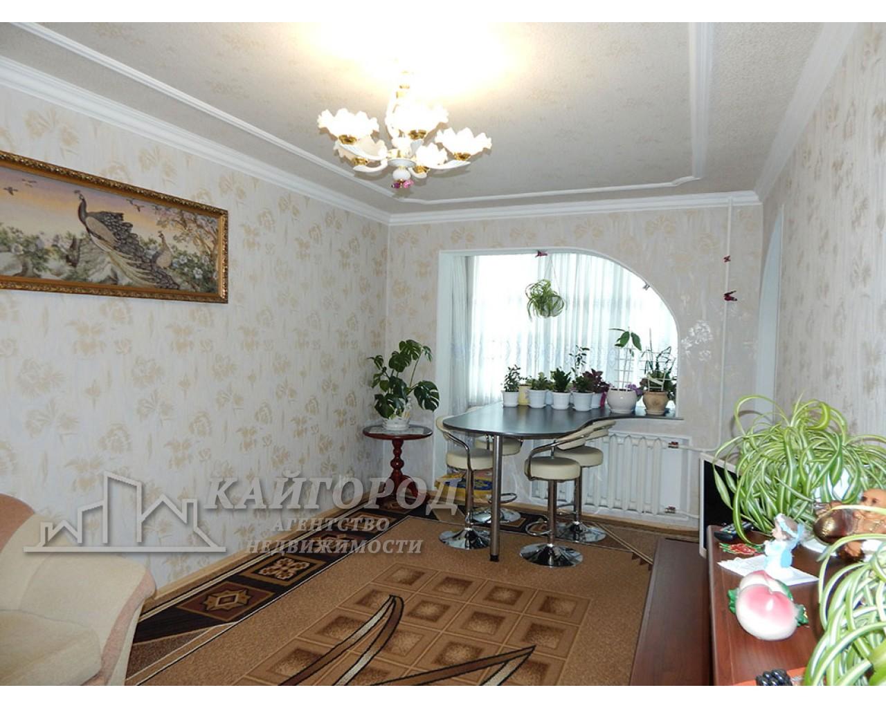 """Продам двухкомнатную квартиру в  капитальном ремонте рядом с парком """"Александрия"""""""