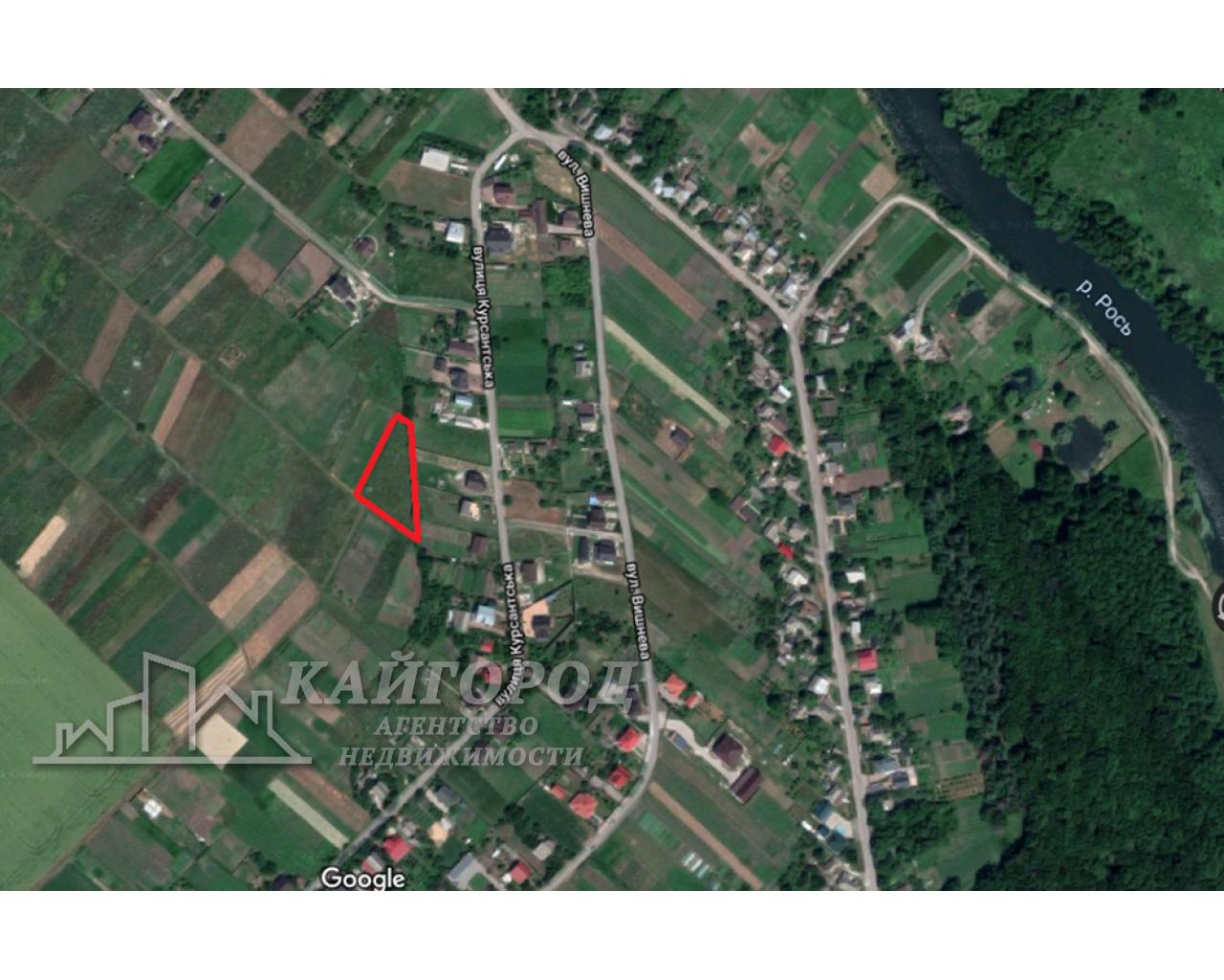 Продам участок под строительство рядом с городом в селе Шкаровка