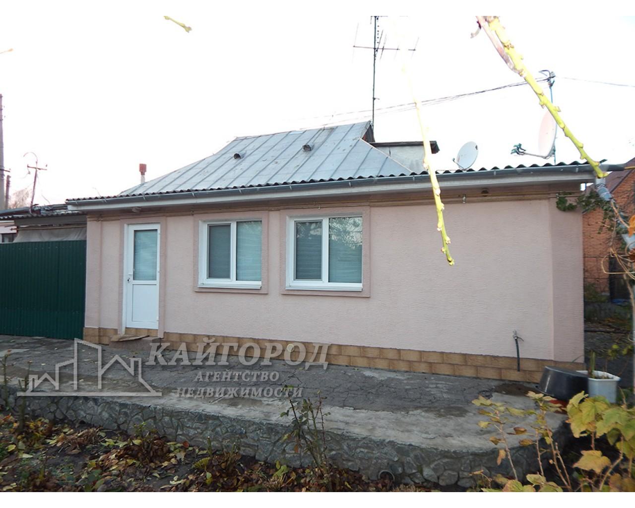 Продам комфортную часть дома с отдельным двором на массиве Песчаный