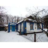Продам дом в с.Озерная (Озерна) с хорошим участком. Срочно!