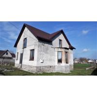 Новый двухэтажный дом в красивом районе в с.Фурсы